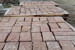 Đá cubic granite đỏ Bình Định 10x10x20cm
