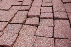 Đá cubic granite đỏ Bình Định 10x10x8cm