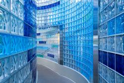 Gạch kính lấy sáng, gạch kính màu - Sự lựa chọn cho công trình kiến trúc độc đáo