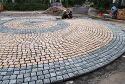 Đá cubic granite - Nữ hoàng trong các đá cubic lát sân